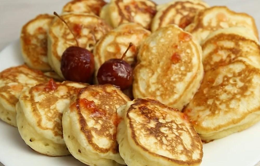 Пышные оладьи на кефире: лучшие рецепты