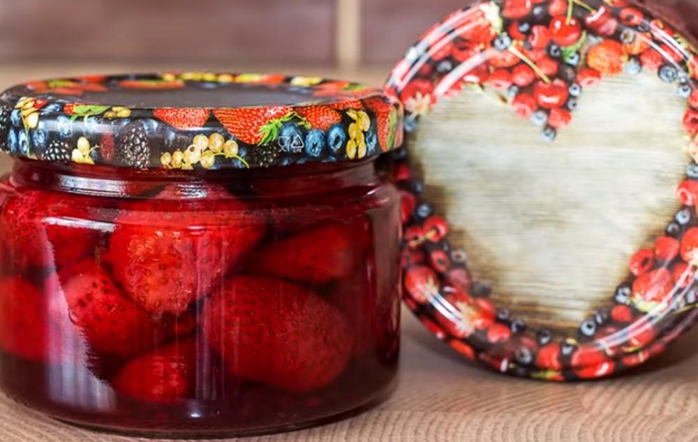 Варенье из клубники на зиму с целыми ягодами