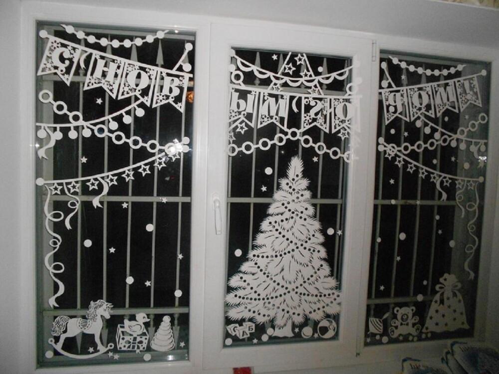 Трафареты на окна для вырезания на Новый год 2022 — скачать и распечатать